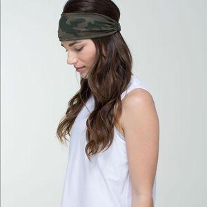 Lululemon reversible camouflage black headband